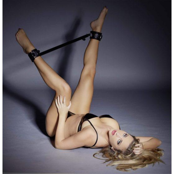 ZADO - velká roztahovací tyč na nohy (černá)